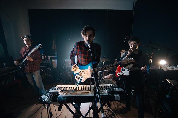 «Танцевать под уральскую бочку»: инди-дебют Chosen By Eywa из Екатеринбурга