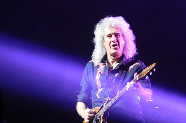 Гитарист Queen Брайан Мэй выпустил песню в честь достижения аппаратом НАСА «последнего камня» Солнечной системы