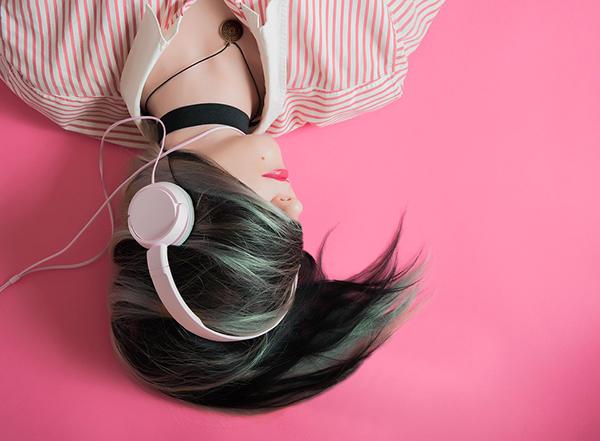 Удовольствие от музыки связано с тем же веществом в мозге, что отвечает за наслаждение от секса и еды